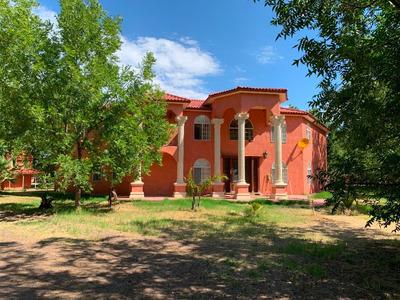 Hermosa Residencia En Renta Con Nogalera, Muy Amplia Con Excelentes Acabados Y A Excelente Precio!