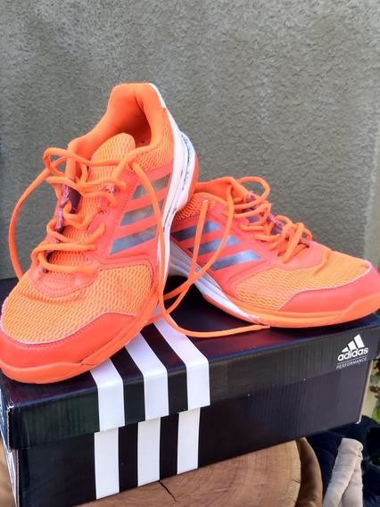 Zapatillas adidas Essence- Como Nuevas- 8.5 Us