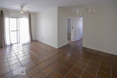 Apartamento No 7º Andar Com 2 Dormitórios E 1 Garagem - Id: 892930522 - 230522