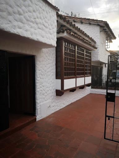 Casas En Venta Malibu Niza 689-2359