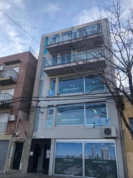 Excelente Monoambiente En Alquiler Ubicado En Pichincha, Santiago 59 Bis.
