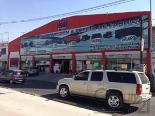Bodega Comercial En Avenida Principal
