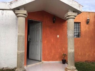 Renta De Casa Amueblada En Pinos Norte, Mérida