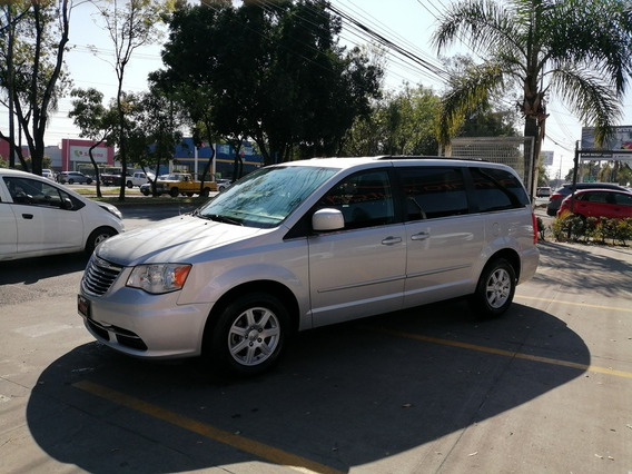 Chrysler Town & Country Lx 2012 Plata