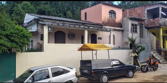 Vendo Duas Casas E Um Kitinet