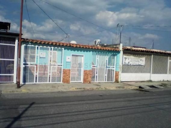 En Alquiler Casa Cabudare 20-21183