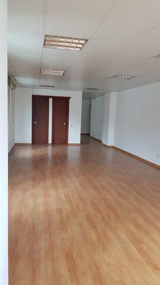 Oficina Centro Norte Quito Edificio Atlantic Business Center