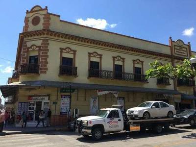 Local En Renta Frente A La Plaza De Armas De Tampico.