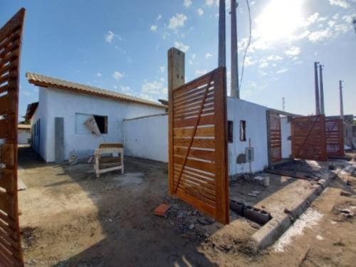 Imagem 1 de 14 de Casa No Litoral Sul, Com 2 Quartos Em Itanhaém-sp   8259-pc