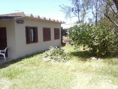 Casa Em Centro Com 3 Dormitórios - Li1645