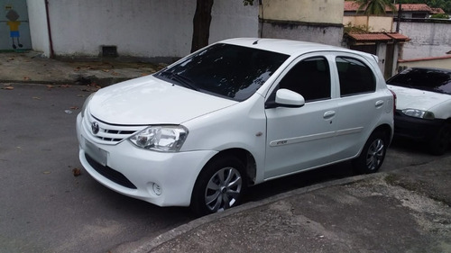 Toyota Etios 2014/14 Hatch X 1.3 Flex  - Completo - Promoção