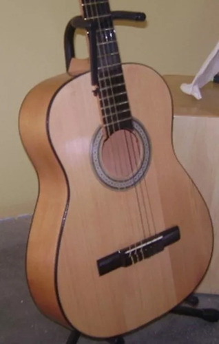 Guitarra Acústica Clásica De Nylon Mas Regalos