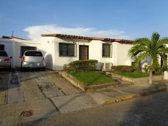 Hermosa Casa En Venta En Cabudare #20-10037