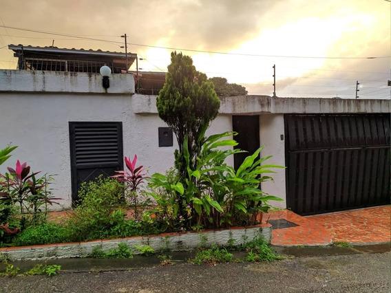 *hermosa Casa En Venta En Urb. Las Mercedes* San Cristóbal