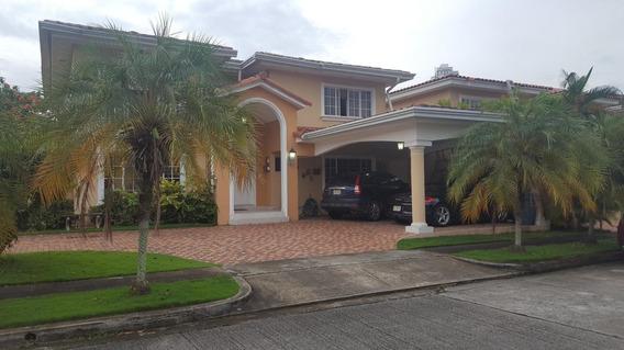 Casa En Venta Costa Bay #18-4675hel** En Costa Del Este