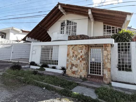 Casa En Alquiler - Pueblo Nuevo.
