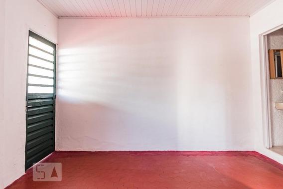 Casa Para Aluguel - Camaquã, 1 Quarto, 25 - 893116343