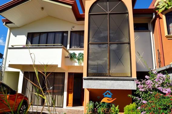 Casa San Joaquin De Flores Heredia Amplia, Zona Selecta C-03