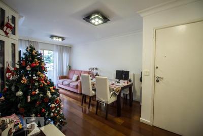 Apartamento No 3º Andar Mobiliado Com 2 Dormitórios E 1 Garagem - Id: 892866756 - 166756