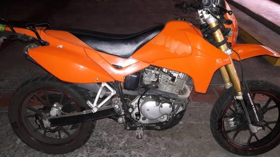 Moto Hj 200 Color Naranja