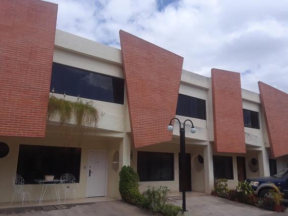 Townhouse En Venta El Guayabal Aaa 21-2617