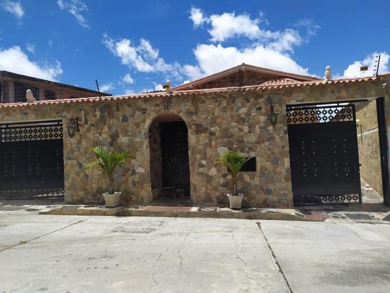 Venta Casa Urb. Los Budares, Carrizal, Negociable 495 M2 H C