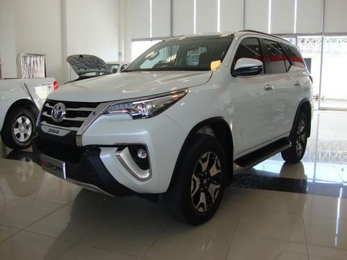 Toyota Hilux Sw4 Srx 2.8 Tdi 6mt 7a 4x4 C/cuero