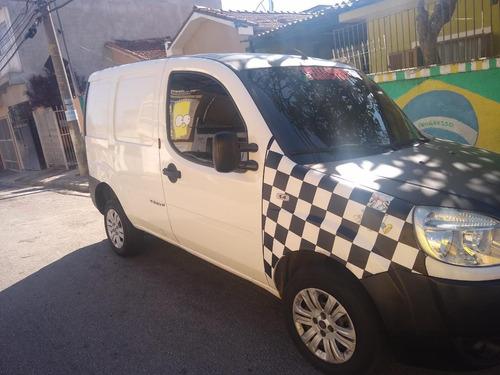 Imagem 1 de 7 de Fiat Doblo 2012 1.4 Attractive Flex 5p