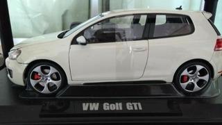 Miniatura Vw Golf Gti (2009) Escala 1:18