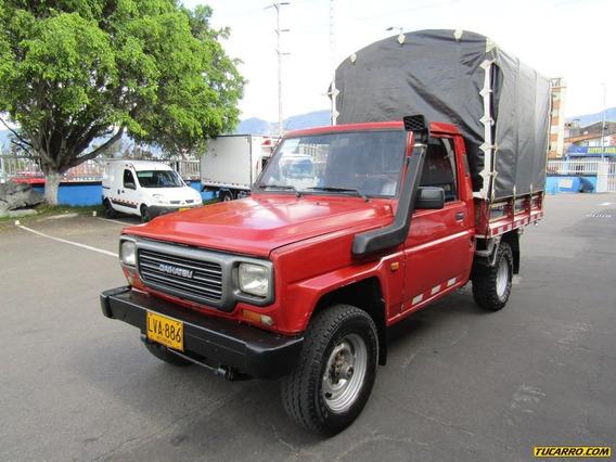 Daihatsu Rocky Estacas