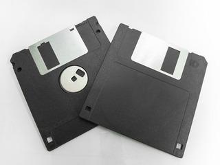 Lote De Diskettes 3 1/2 Precio Por Caja De 10