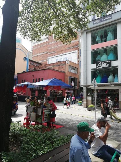 Edificio En El Centro De Medellin