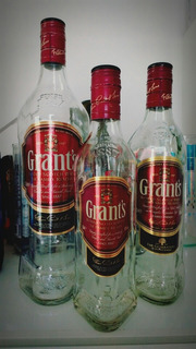 Botellas De Whisky Grant
