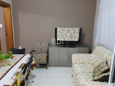 Apartamento Em Beira Mar Com 2 Dormitórios - Li50877202