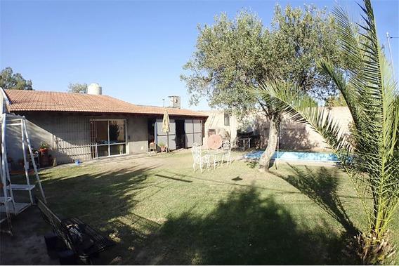 Casa Con Parque Mas Galpón - Buena Ubicación