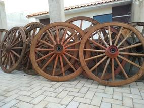 Roda De Carroça. Antiga. Ótimo Estado.