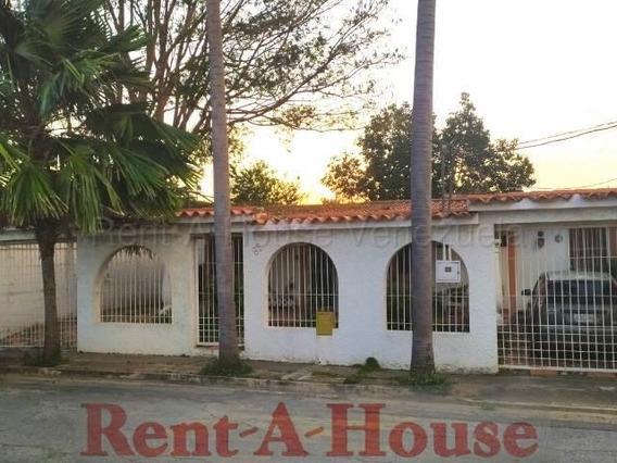 Casas En Venta En Las Trinitarias Barquisimeto Lara 20-7645