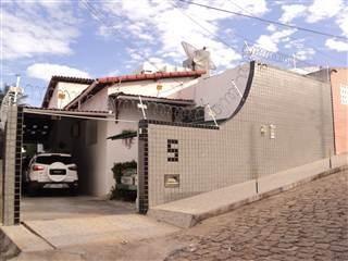 Casa Com 3 Dormitórios À Venda, 182 M² Por R$ 380.000,00 - Barro Vermelho - Natal/rn - Ca6304