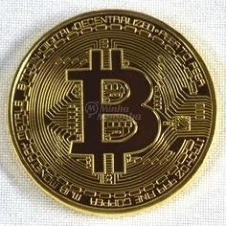 Moeda Bitcoin Fis. Banhada A Ouro Colecionável (com Relevo)