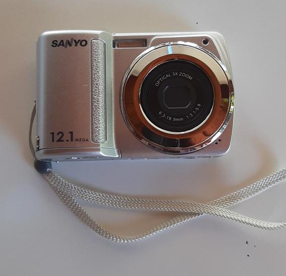 Cámara De Fotos Sanyo 12.1 Mp. Excelente Estado. C/funda.