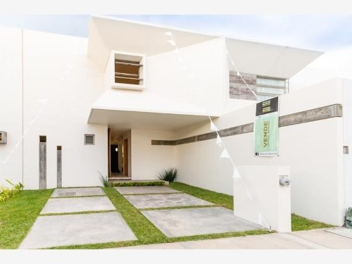 Casa Sola En Venta Fracc. Santa Fe