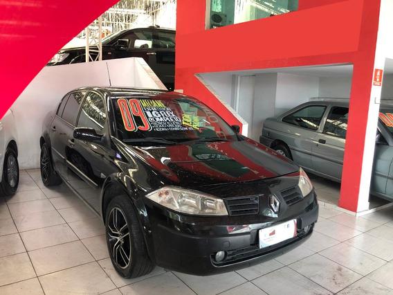 Renault Megane 2009 1.6 Expression Hi-flex 4p