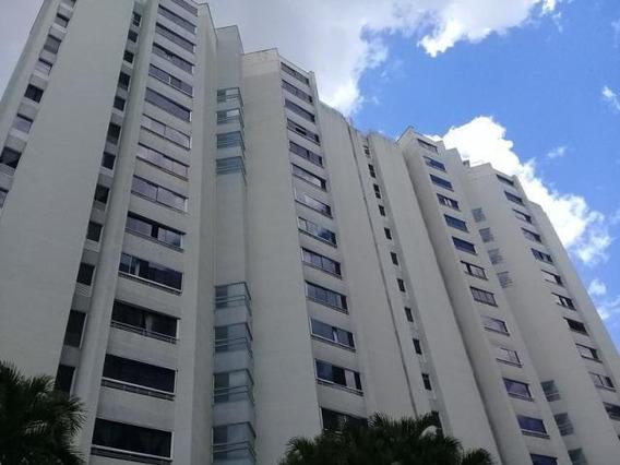 Apartamento En Venta 19-16477