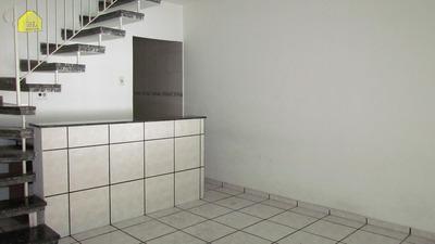 Sobrado Com 02 Dormitórios E 2 Vagas De Garagem | M574