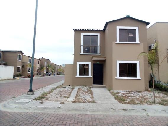 Casa En Urbanización La Joya 2 Plantas