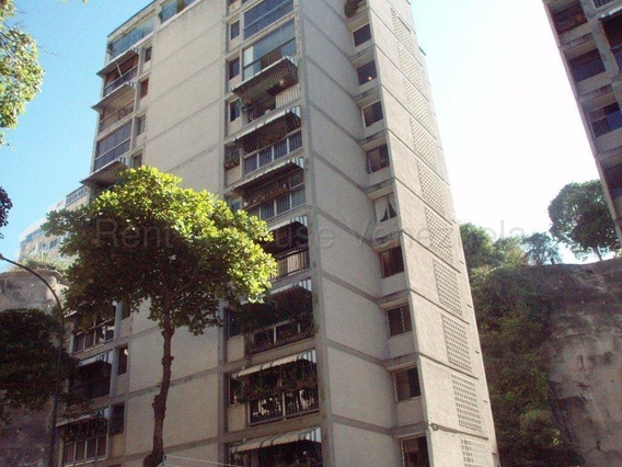 Apartamento En Venta Clnas. De Bello Monte Mls 20-8559 Gilaura Carmona