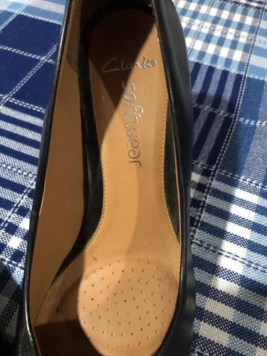 Kenia manejo Nota  Zapatos De Cuero Marca Clarks Antideslizantes Suela Masaje - Ropa y  Accesorios - Mercado Libre Ecuador