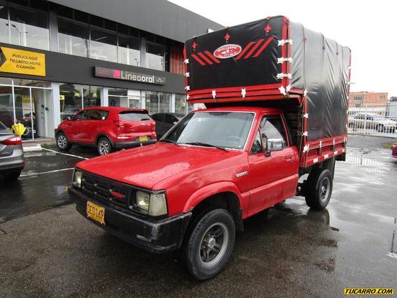 Mazda B-2200 Estacas