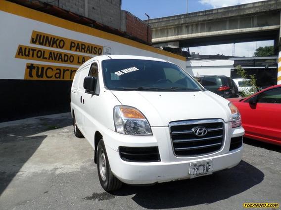Hyundai H1 .