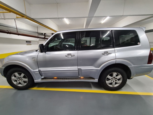 Imagem 1 de 15 de Mitsubishi Pajero Full 2005 3.8 Hpe Aut. 5p